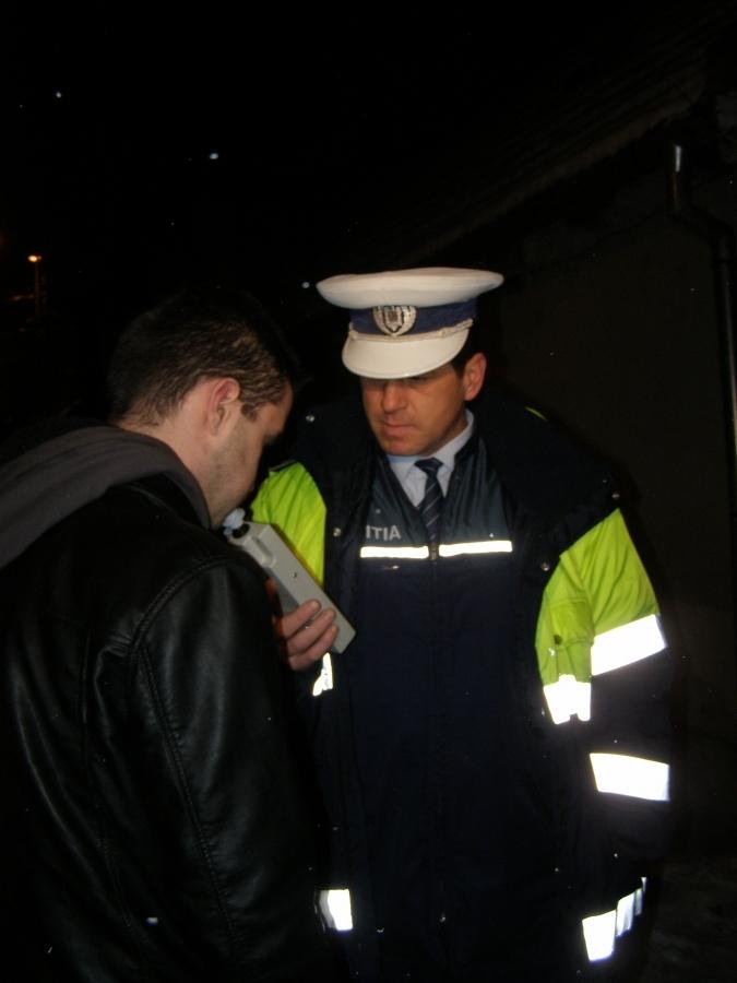 Tânăr beat la volan, depistat de polițiști pe strada Frunzișului