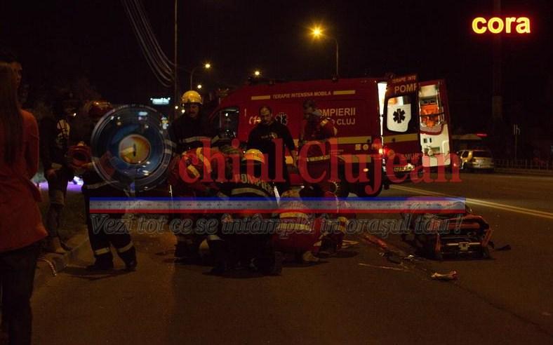 Imagini socante de la accidentul de duminica seara de la Podul N. O tanara a fost lovita in plin de un BMW FOTO