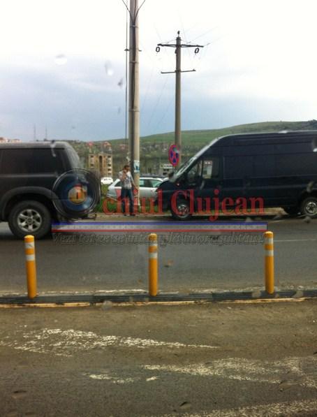 Accident în faţă la Metro! Traficul este blocat spre Cluj-Napoca – FOTO