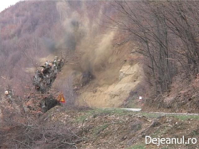 Explozii pe Drumul National 18B,intre localitatile Dej-Targul Lapus VIDEO