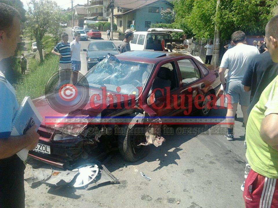 Accident pe strada Partizanilor din Cluj! Patru personane ranite si doua masini grav avariate FOTO