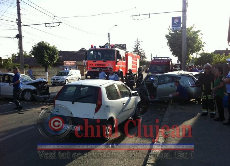 Accident pe Strada Traian Vuia! Trei persoane ranite FOTO