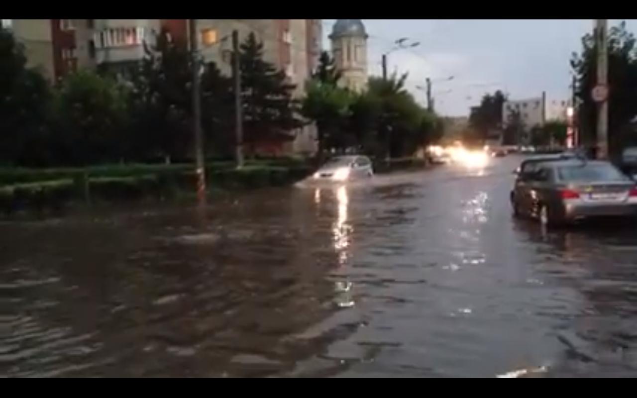 "Strada Plopilor inundata! ""Mica Venetie din Cluj"" VIDEO"