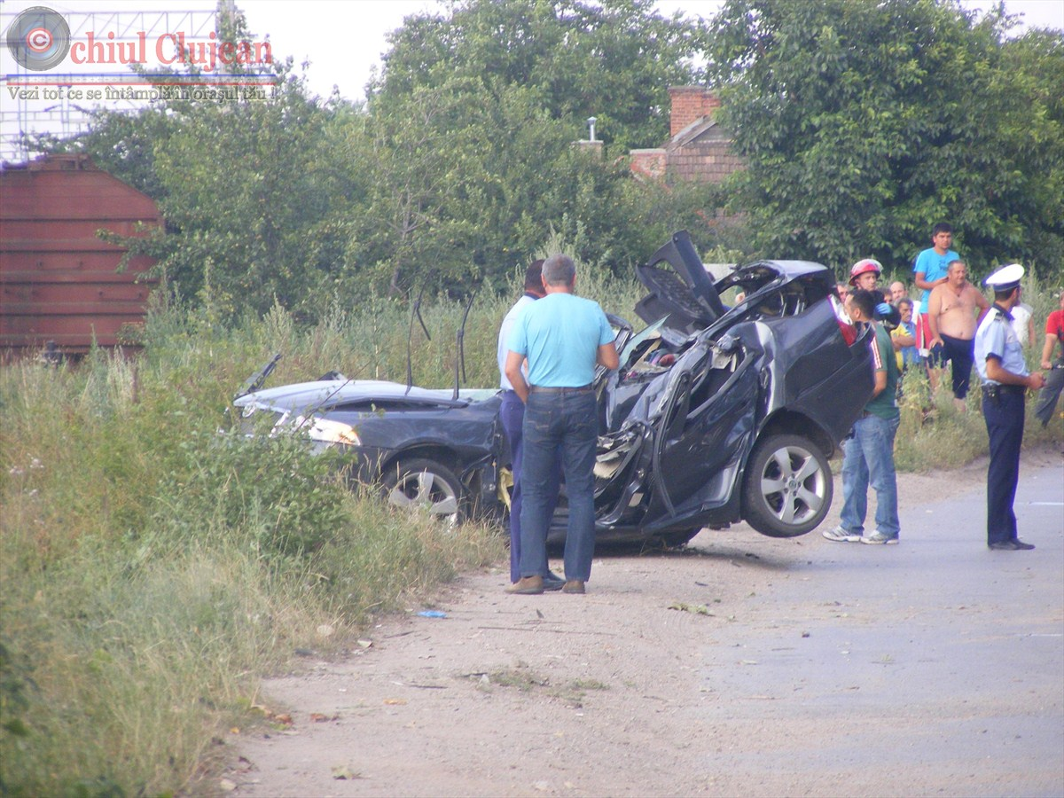 Accident in Cluj-Napoca!  Soferul a decedat dupa ce s-a rasturnat cu masina în zona Selgros FOTO