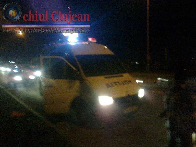 Accident la ieșire din localitatea Luna spre Câmpia Turzii. Doua persoane incarcerate