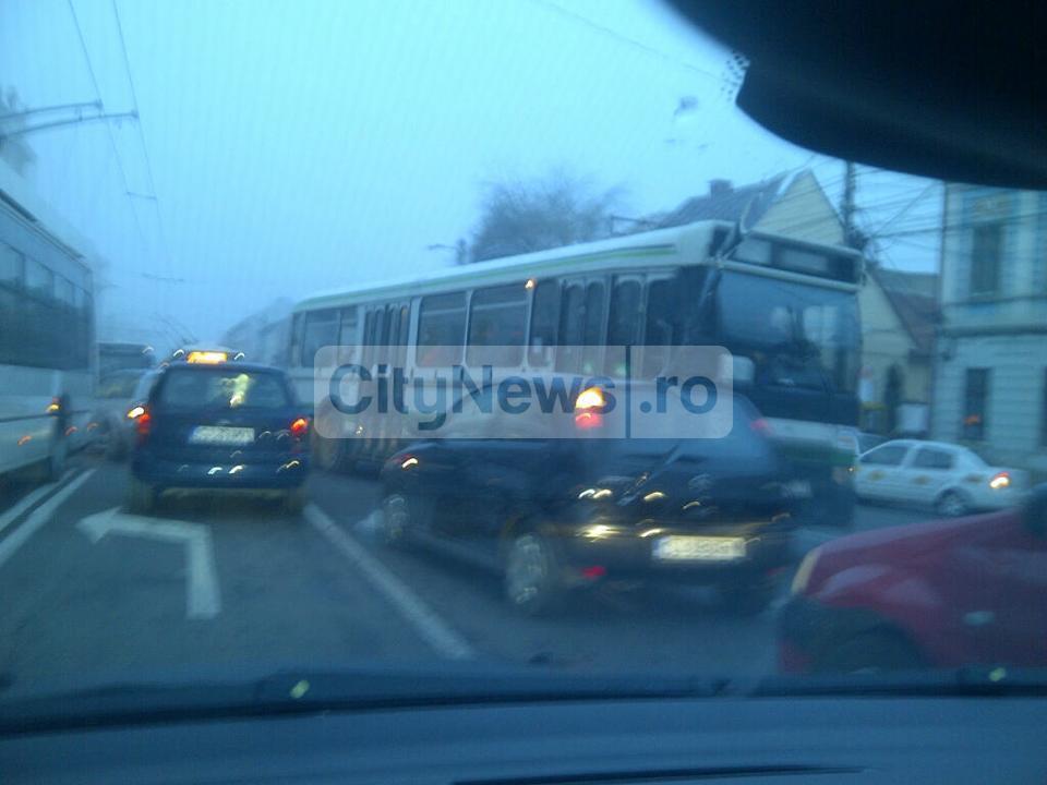 Soferii RATUC circula pe contrasens in centrul Clujului  FOTO