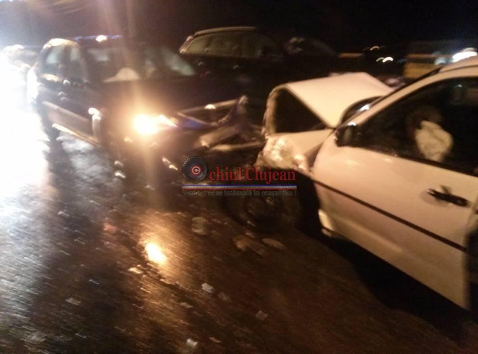 Accident cu doua victime pe Taietura Turcului! Impact violent intre doua autoturisme. Pagubele sunt de 50.000 de lei