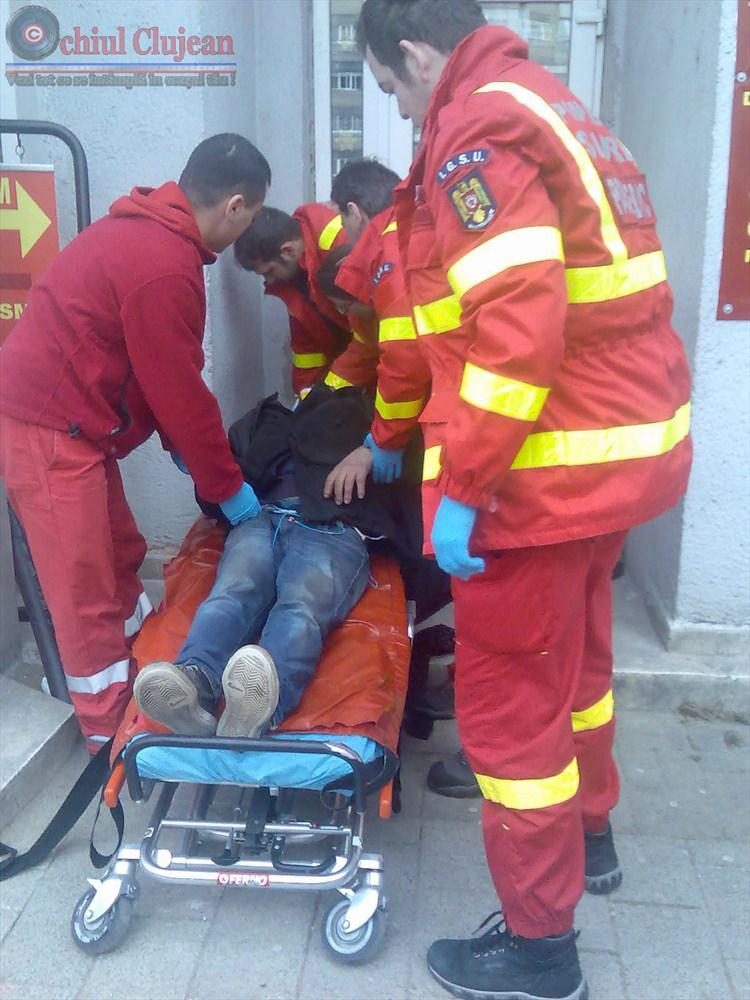 Un barbat a lesinat in Piata Marasti ! O clujeanca a vazut si a sunat 112!