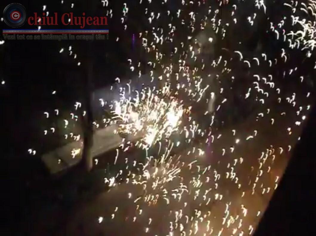 La multi ani 2014! Cerul luminat de spectaculoase focuri de artificii in Manastur VIDEO