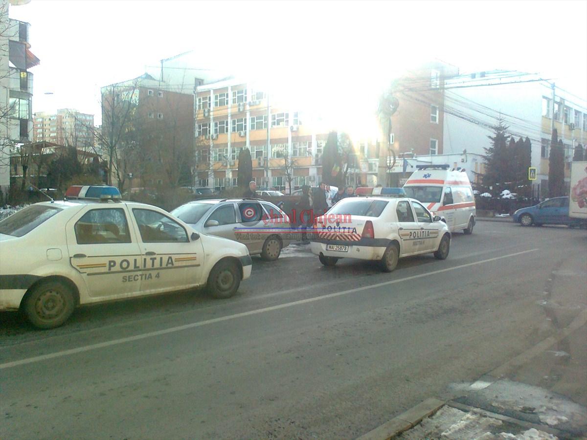 Clujean: Un barbat s-a aruncat pe o trecere de pietoni pe strada Taberei FOTO