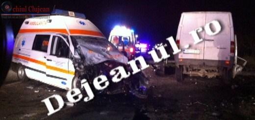 Accident GRAV la Caseiu! Ambulanta implicata in accident. Trei persoane au fost ranite