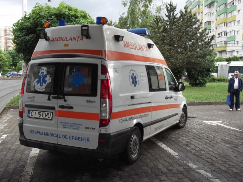 Accident in Someseni! O persoana a fost lovita de o ambulanta pe trecerea de pietoni pe strada Traian Vuia