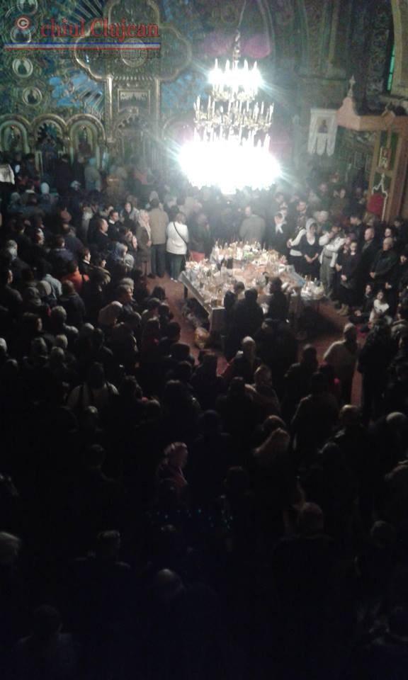 Peste o mie de pelerini la Mănăstirea Nicula de SF. Maslu. Prima vineri din Postul Pastelui FOTO