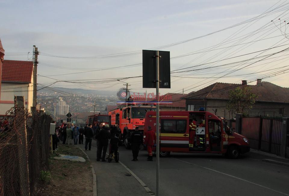 Incendiu la o casa pe strada Codrului din Cluj-Napoca FOTO