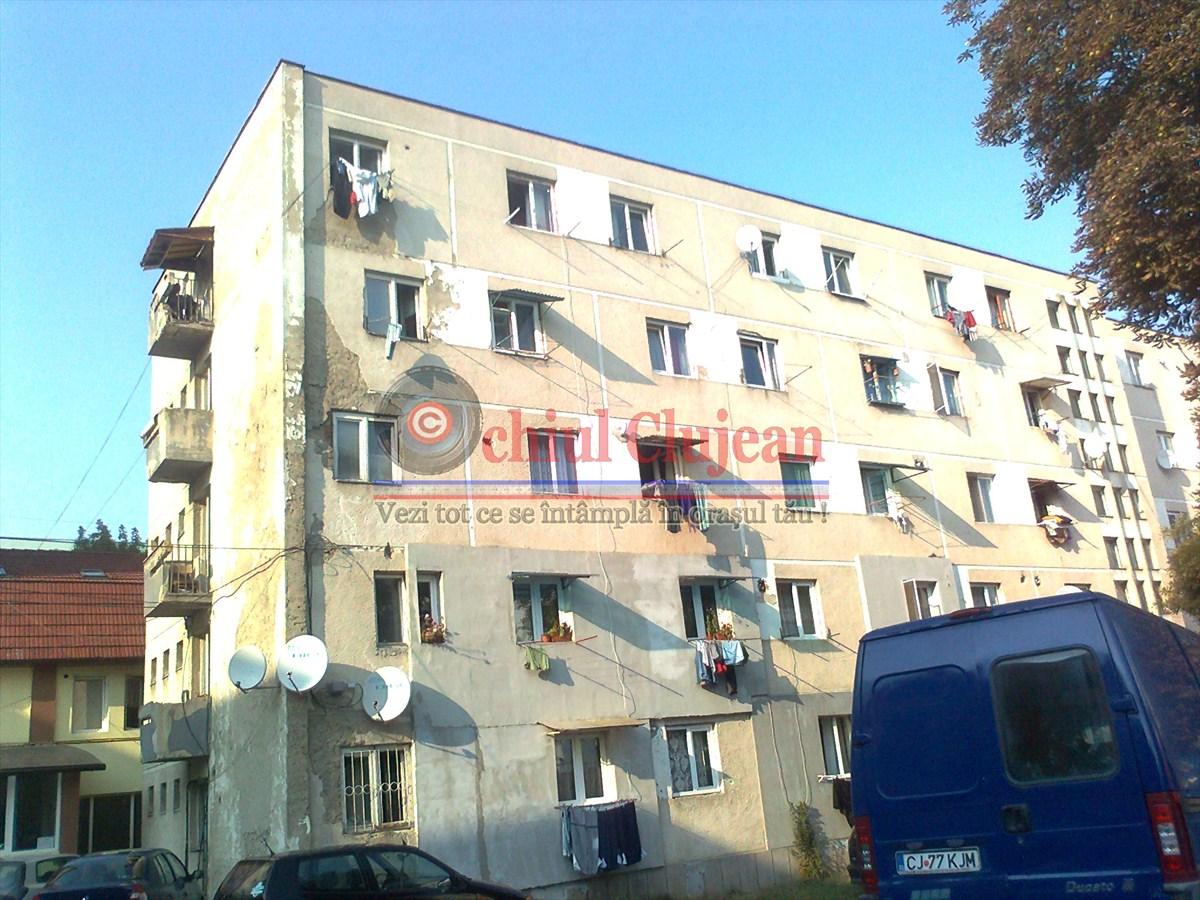 Conflicte intre locatarii dintr-un bloc de pe strada Taberei FOTO-VIDEO