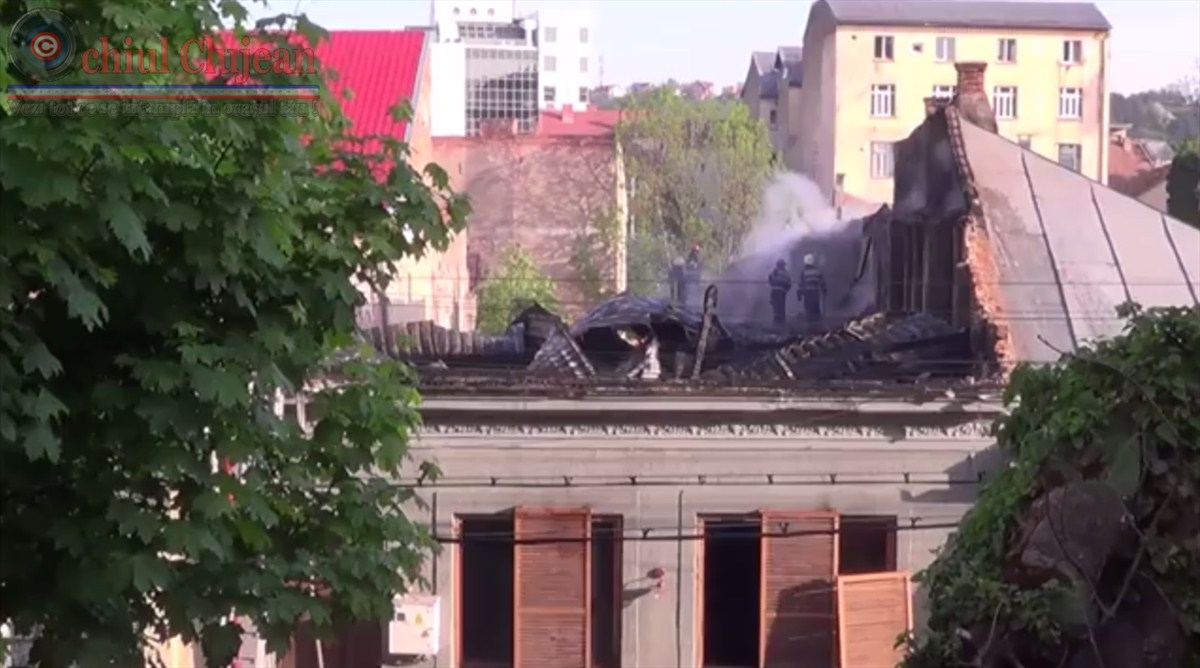 Incendiu pe strada Clinicilor! Un restaurant distrus de flacari in centrul Clujului VIDEO
