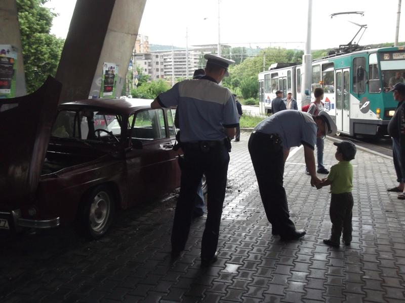 Accident in Manastur! Impact intre un tramvai si un autoturism in zona Podului Calvaria