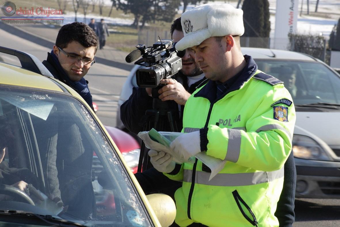 Barbat din Gherla prins de politisti la volan fara permis