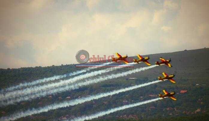 Mii de clujeni au participat la mitingul aviatic de la Aeroportul International Avram Iancu Cluj-Napoca. GALERIE FOTO