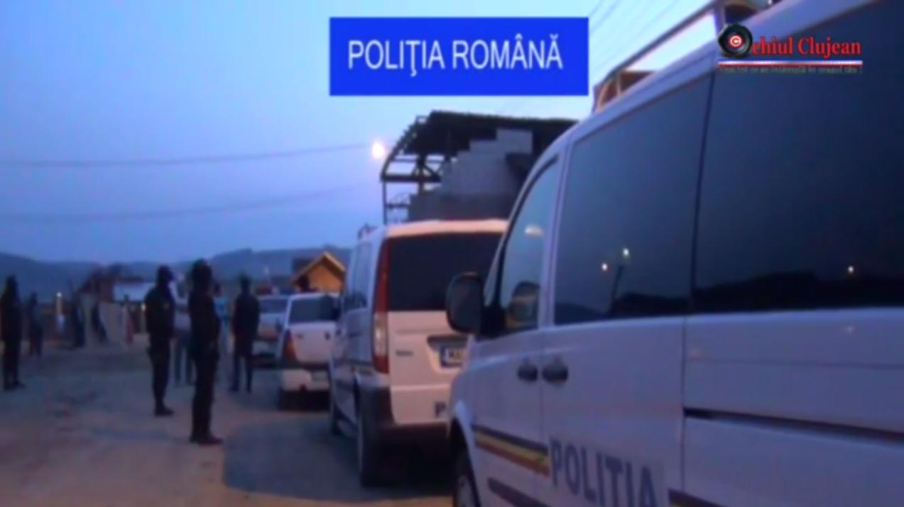 Trei barbati, prinsi in flagrant de politisti in timp ce furau cablu de cupru la Cluj