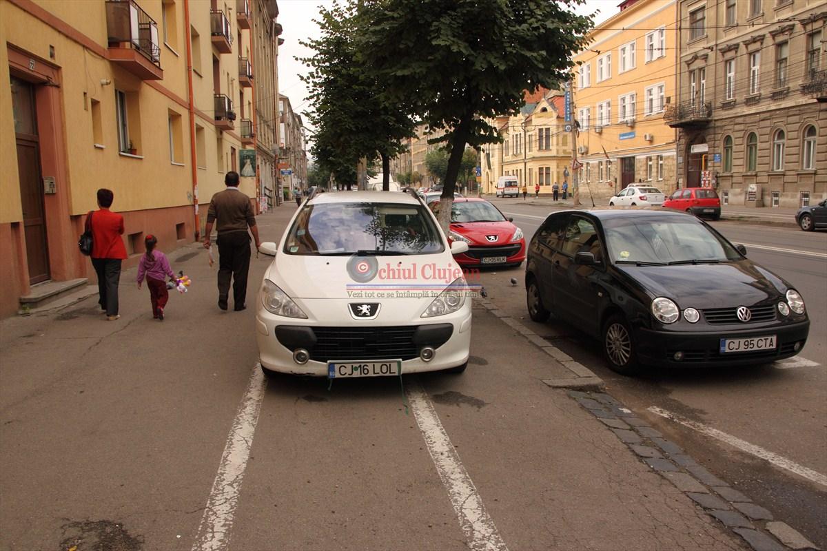 Cluj-Napoca: Sancțiuni de peste 10.000 lei  pentru parcări pe pistele de biciclete
