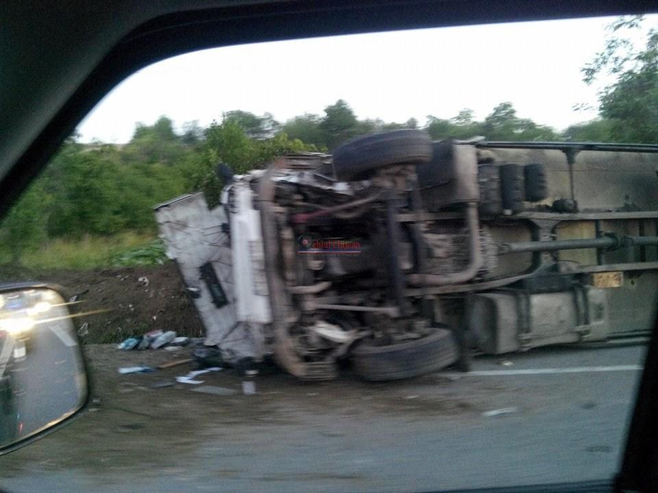 Accident  mortal la Livada! Impact intre un TIR si un autoturism. O persoana a murit  FOTO-VIDEO