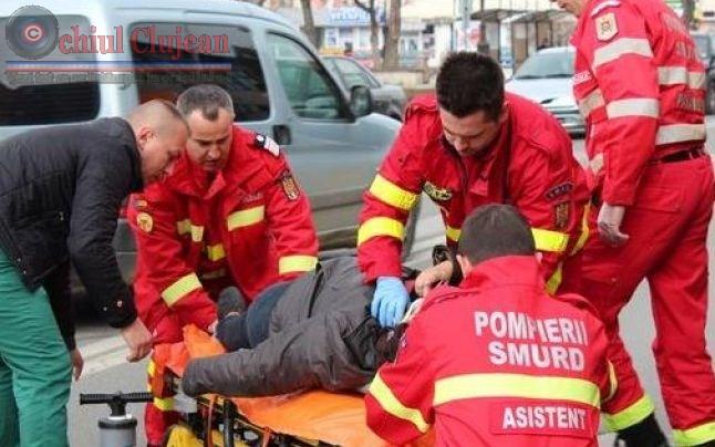 Clujeancă accidentată grav de o mașină pe trecerea de pietoni în Piata Mihai Viteazul