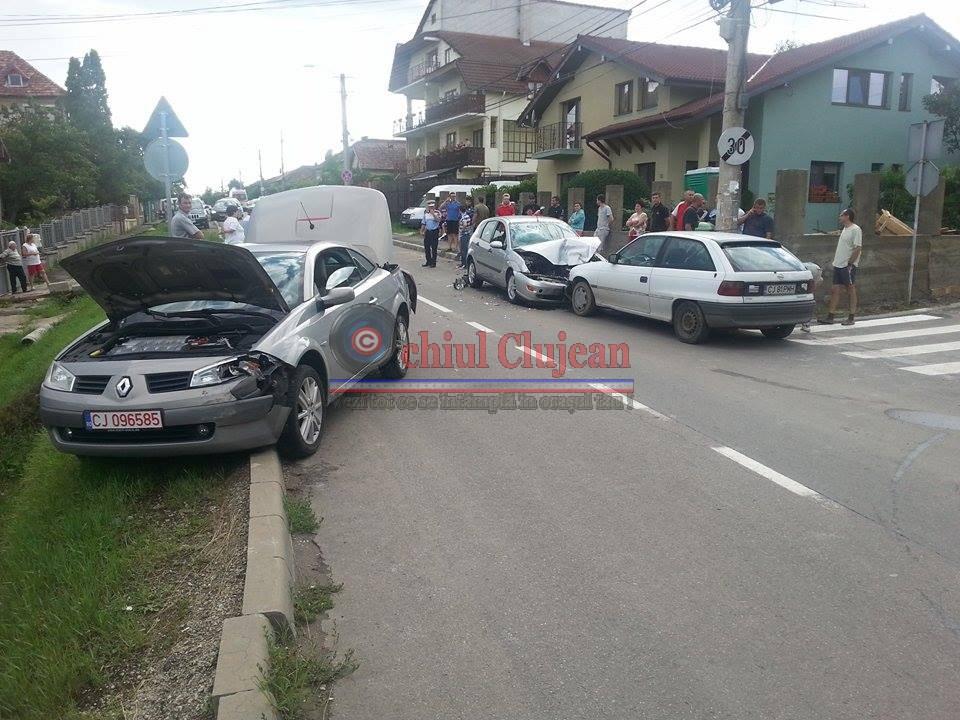 Accident pe strada Partizanilor! Trei autorisme implicate FOTO