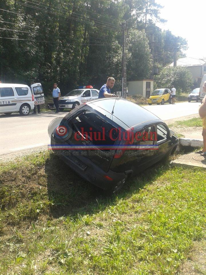 Accident pe un drum din județul Cluj! Un bărbat a ajuns la spital după ce a intrat cu mașina într-un cap de pod