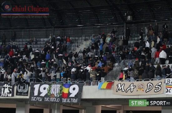 Nervi pe Cluj Arena! Fanii l-au înjurat pe Ogararu si i-au amenintat pe jucatori înaintea derby-ului cu CFR