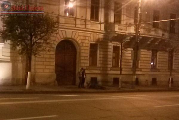 Scandal in centrul Clujului. Un tanar a fost batut si tarat pe jos pe strada Motilor FOTO