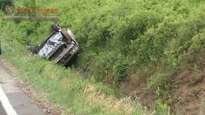 Un clujean mort de beat s-a rasturnat cu autoturismul in Feleacu