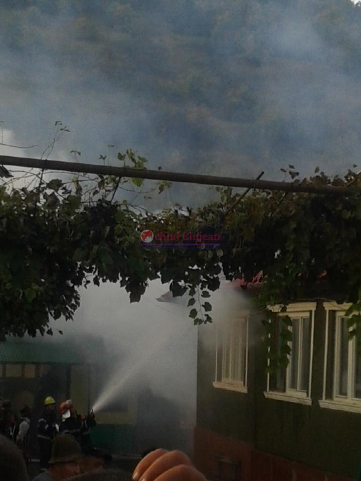 Incendiu in Fizesu Gherlii! O bucatarie de vara a fost cuprinsa de flacari FOTO