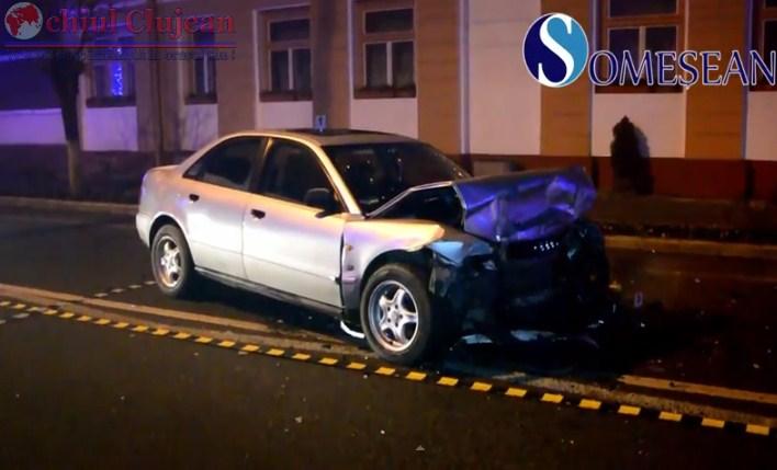 Accident grav la Gherla! Doua autoturisme s-au ciocnit frontal VIDEO