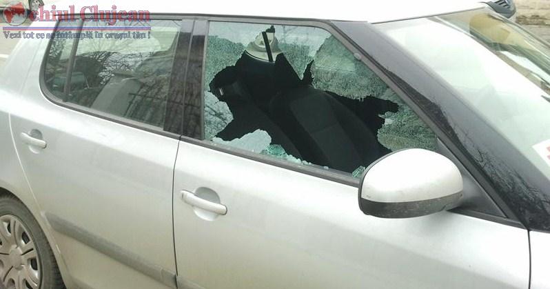 Spargator de masini retinut pentru 24 de ore de politisti. A furat un portmoneu plin cu bani dintr-o masina parcata in Floresti