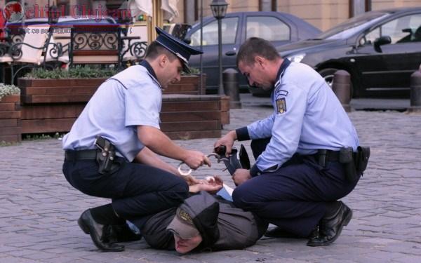 Trei mandate de executare a pedepsei cu închisoare, puse în aplicare de polițiștii clujeni