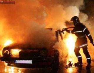 Coliziune între două autoturisme, unul a luat foc pe DN1 VIDEO