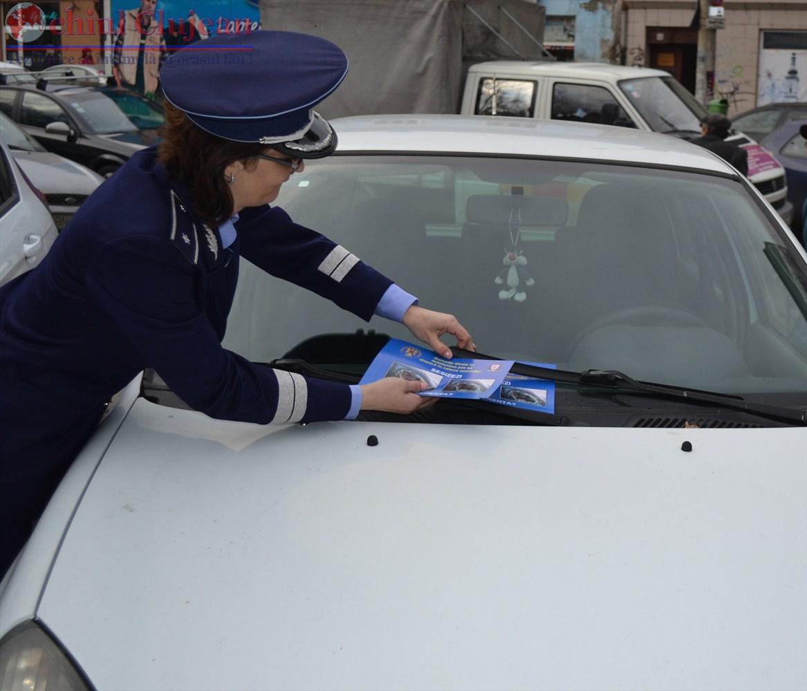 Ampla actiune desfasurata de politistii clujeni pentru prevenirea furturilor din auto FOTO