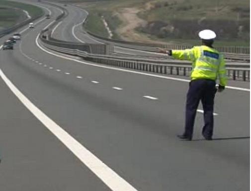 Depistat în timp ce conducea cu peste 200 km/h