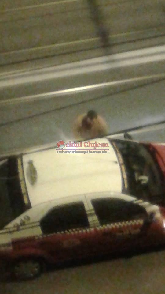 Taximetrist solicitat pe strada Cantonului a fost pradat de hoti. I-au furat telefonul mobil de pe bordul masinii