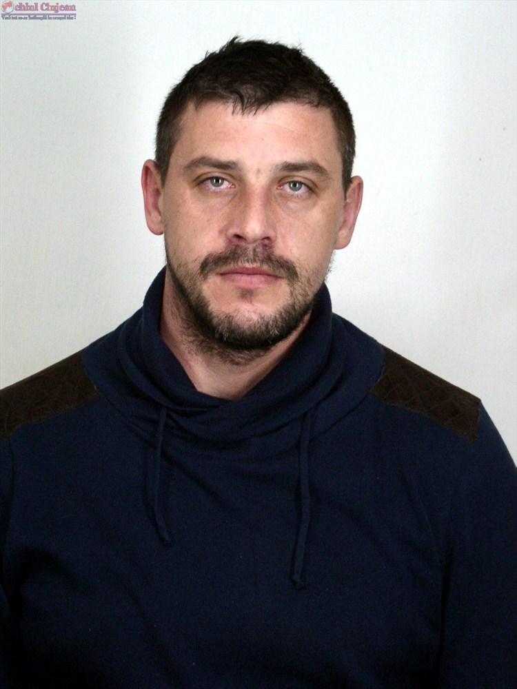 Politistii nu au reusit sa-l prinda pe unul dintre cei mai periculosi detinuti evadati din arestul IPJ Cluj FOTO