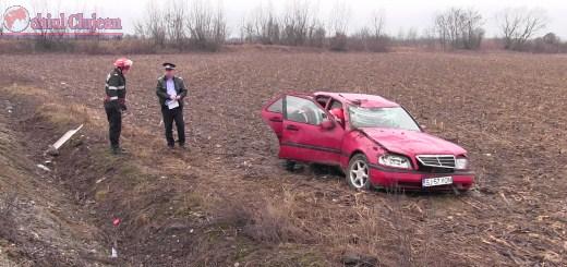 Trei persoane au ajuns la spital dupa ce  s-au rasturnat cu masina la iesire din Coplean VIDEO