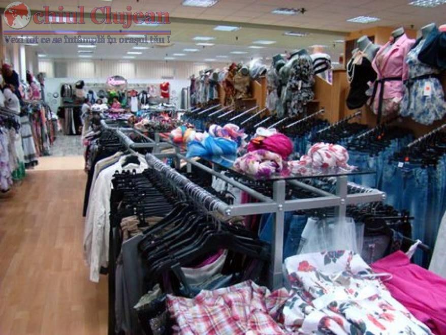 Trei sibieni prinsi la furat din magazin la Cluj. Au furat articole vestimentare in valoare de 1.200 de lei