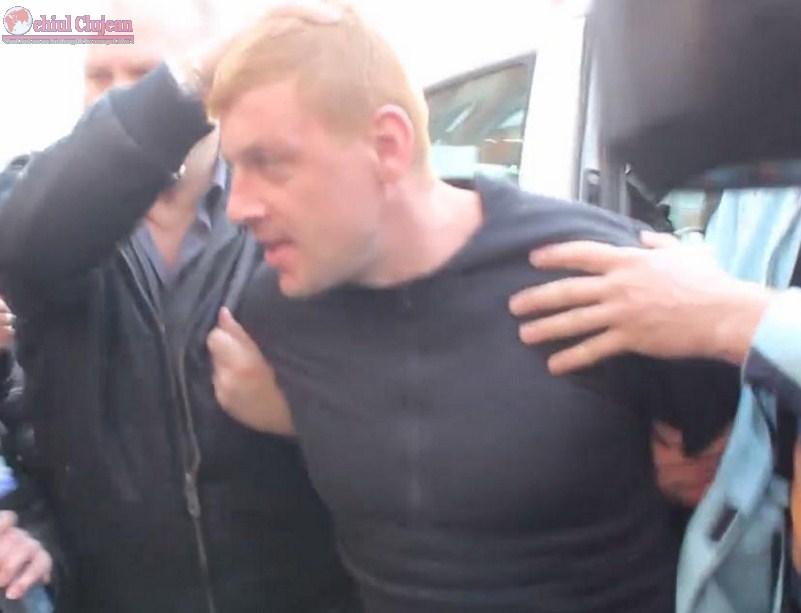 Trei barbati au ajuns dupa gratii pentru ca l-au ajutat pe evadatul din arestul IPJ Cluj