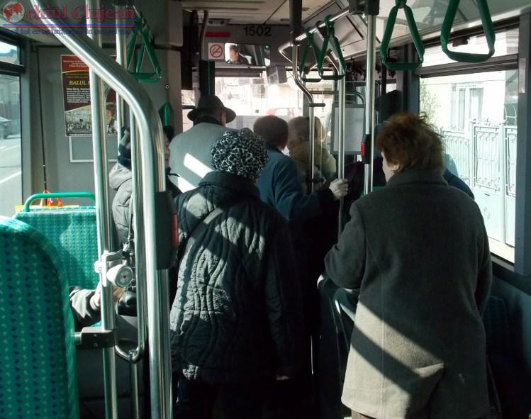 Femeie ranita grav in autobuz. Soferul a franat brusc