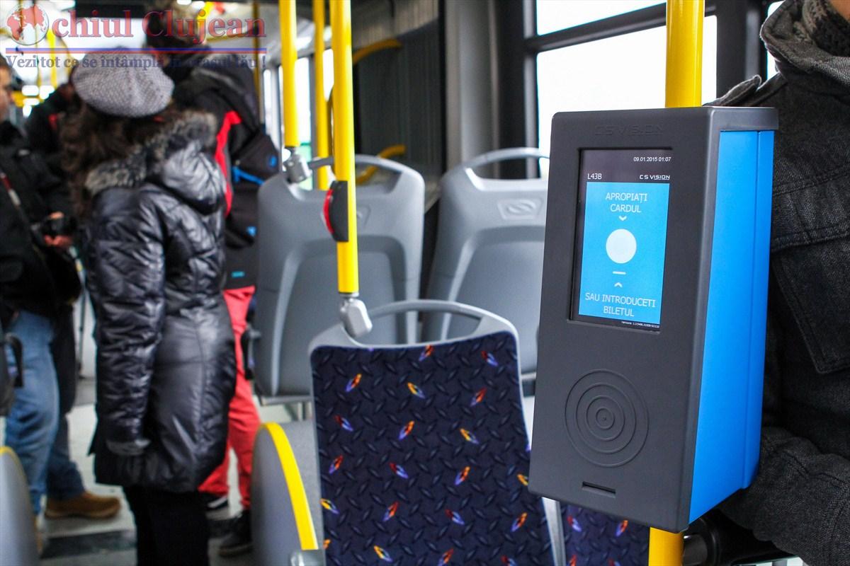 Clujean: Validatoarele de  bilete din autobuzele mov nu au afisate instructiuni de folosire  FOTO