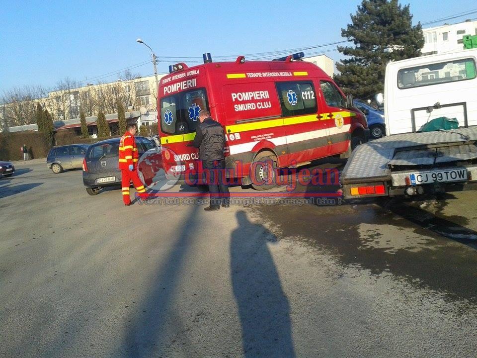 Accident cu trei masini pe strada Primaverii! Soferul baut a ajuns in stare grava la spital
