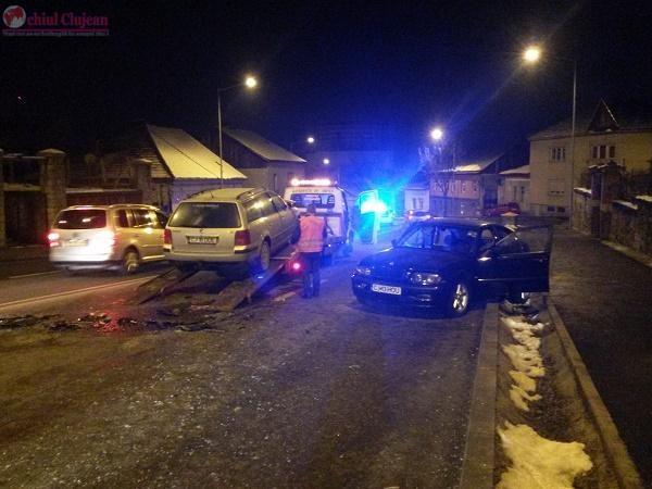 Accident pe Calea Turzii! Doua masini s-au ciocnit. Patru persoane au ajuns la spital VIDEO