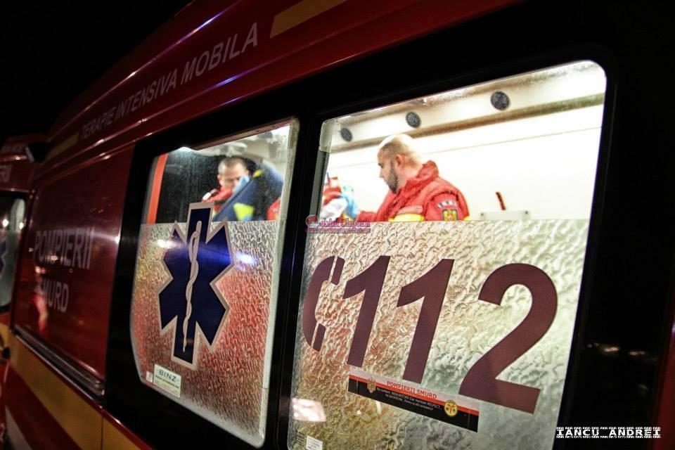 Accident MORTAL pe un drum din Cluj! Coliziune frontală între două autoturisme, trei persoane decedate