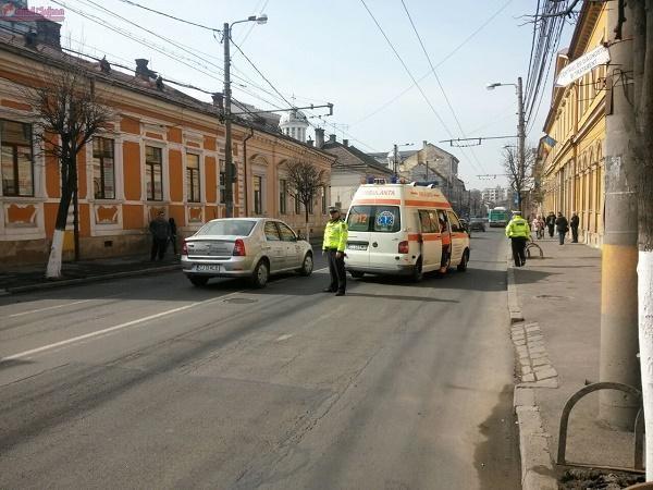 Accident pe Motilor! Barbat lovit in plin de o masina in timp ce traversa strada neregulamentar FOTO